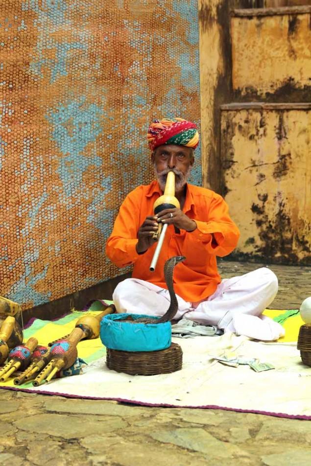 Jaipur-Chaos-Theory-rug-by-Kavi-_Naga